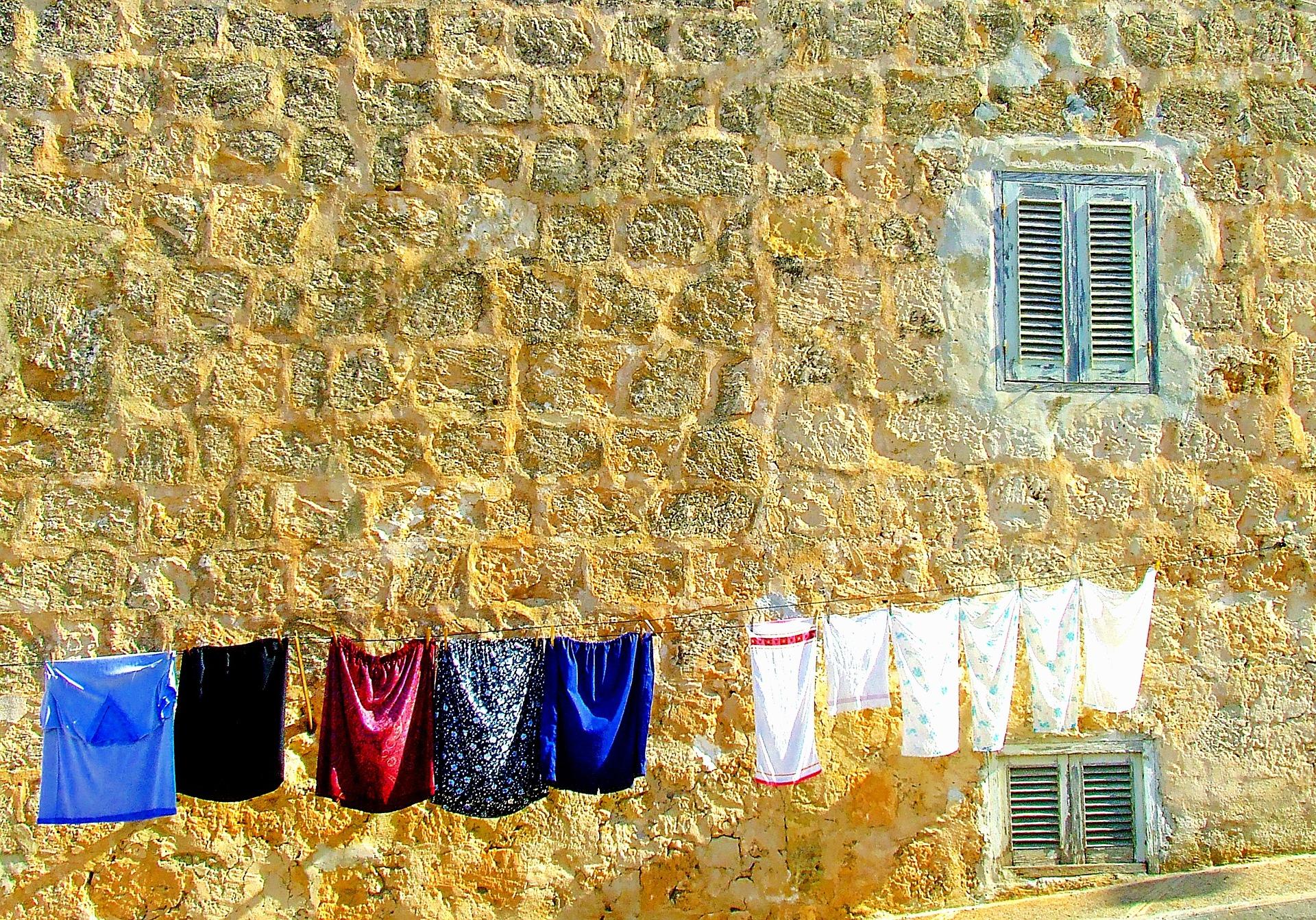 washing-day-1040031_1920